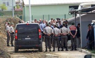 La justice turque a lourdement condamné vendredi plus de 300 officiers accusés d'avoir comploté pour renverser le gouvernement islamo-conservateur, le premier verdict d'une série de procès controversés dénoncés par l'opposition comme une chasse aux sorcières.