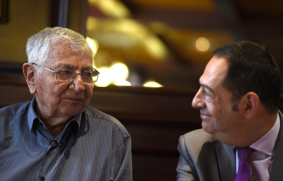 Jean Mercier aux côtés de Jean-Luc Romero, lors de l'audience du 22 septembre 2015. – Philippe Desmazes