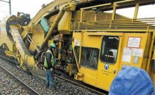 Des ouvriers travaillaient sur un chantier SNCF, en juin 2012
