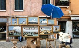 Le stand de peintures à l'huile de Banksy à Venise.