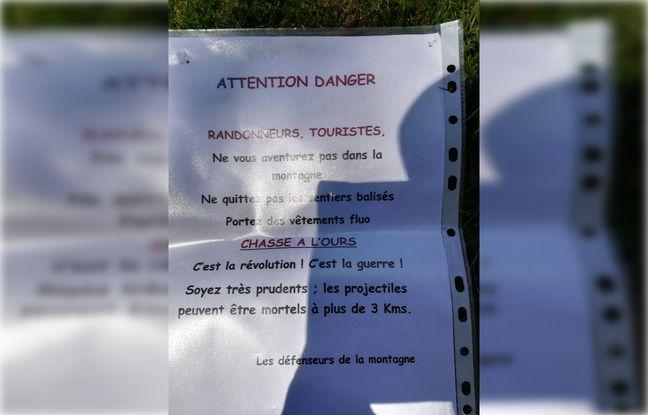 L'affiche anti-ours retrouvée à Auzat, en Ariège.
