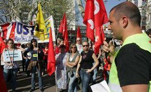 Des postiers d'Aubagne en grève, hier.
