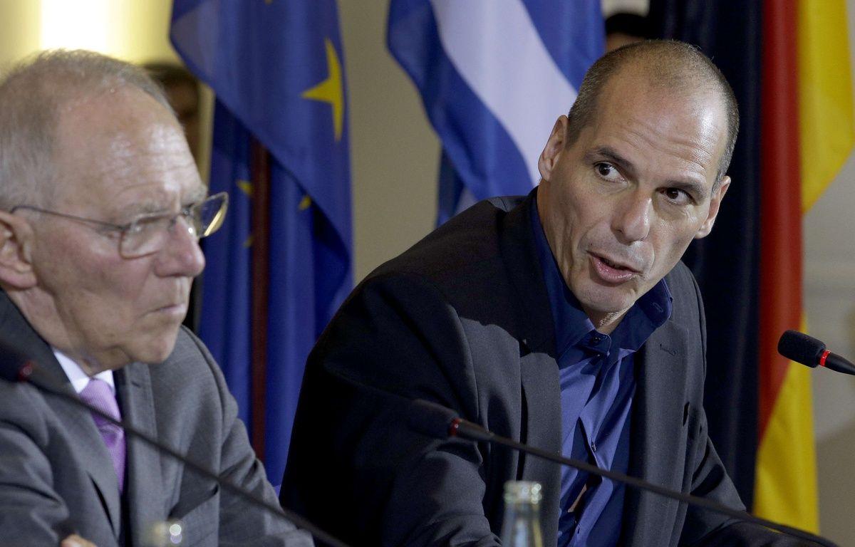 Le ministre des Finances allemand Wolfgang Schaeubl avec son homologue grec Yanis Varoufakis, lors d'une conférence de presse à Berlin, le 5 février 2015. – Michael Sohn/AP/SIPA Ville : Berlin