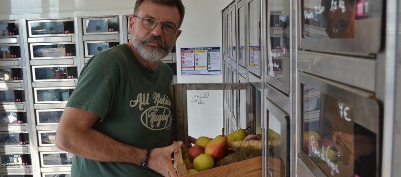 Loïc Bruté de Remur, à Saint-Jean-de-Védas, a ouvert un cabanon avec 110 casiers réfrigérés, aux Vergers de Saint-Jean