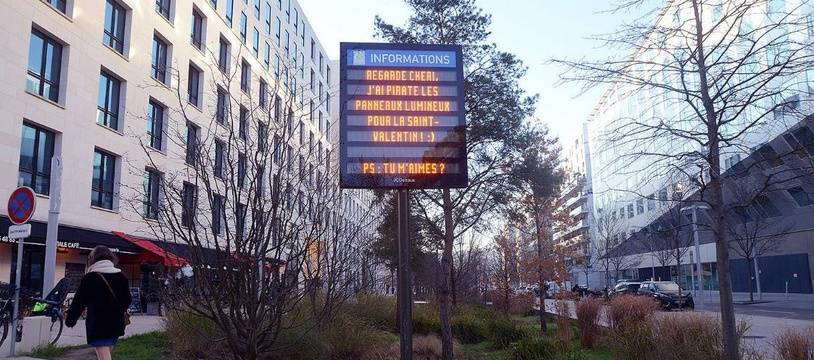 Les messages choisis seront affichés sur les panneaux lumineux ce vendredi.