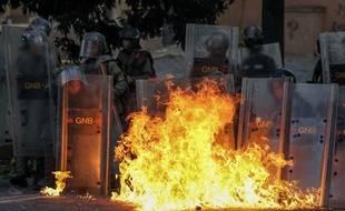 Deux nouvelles personnes ont été tuées dans des manifestations contre le pouvoir au Venezuela, le 27 juillet 2017.