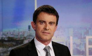 Le Premier ministre Manuel Valls sur le plateau du JT de 20h de TF1, le 2 avril 2014
