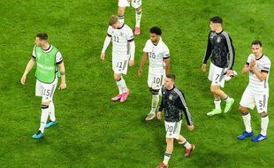 Les Allemands déçus après leur défaite contre la France à l'Euro.