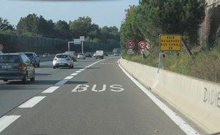 La première voie dédiée aux bus inaugurée sur la rocade ouest de Bordeaux.