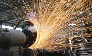 Un ouvrier dans une usine (illustration).