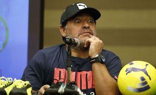 Diego Maradona à Bogota le 9 avril 2015.