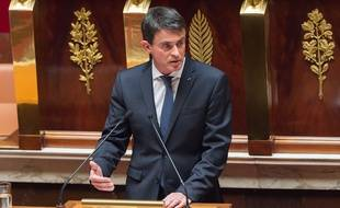 Le Premier ministre Manuel Valls à la tribune de l'Assemblée nationale à l'occasion du débat sur le Brexit, le 28 juin 2016 à Paris.