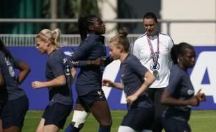 Les Bleues s'entraînent au Havre avant France-Brésil en 8es.