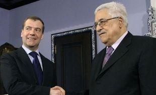 Le président palestinien Mahmoud Abbas a abordé vendredi les pourparlers israélo-palestiniens au cours d'une rencontre avec le président russe Dmitri Medvedev près de Moscou, dernière étape d'une tournée européenne.