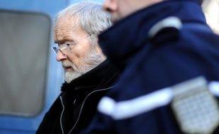 Maurice Agnelet arrive à la cour d'assises d'Ille-et-Vilaine, à l'issue du troisième jour de son procès, le 10 avril 2014 à Rennes
