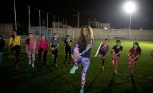 Entrainement de jeunes femmes dans la ville arabe-israélienne de Tirah, le 8 mars 2016 à la nuit tombée pour éviter les islamistes radicaux