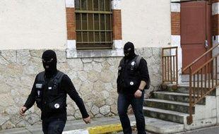 Les hommes du raid à Toulouse, après une fusillade avec Mohamed Merah, le principal suspect des tueries de Toulouse et Montauban, le 21 mars 2012.