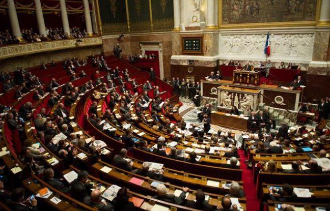 L'hémicycle de l'Assemblée nationale, lors d'une séance de questions aux gouvernement, le 19 décembre 2012
