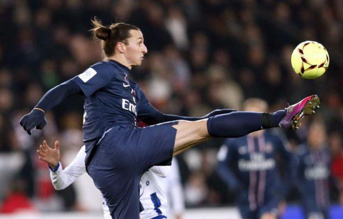Zlatan Ibrahimovic, l'attaquant du PSG, le 8 février 2013, contre Bastia. –  AFP PHOTO / PATRICK KOVARIK