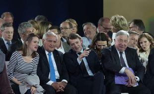Madeleine de Jessey (à gauche), vice-présidente de Sens Commun, aux côtés de Jean-Pierre Raffarin, François Baroin et Gérard Larcher au meeting de François Fillon à Paris le 9 avril 2017.