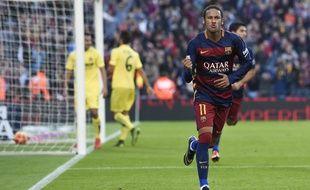 Neymar a inscrit un doublé, dont un magnifique enchaînement sombrero-volée, lors de Barcelone-Villareal, le 8 novembre 2015.
