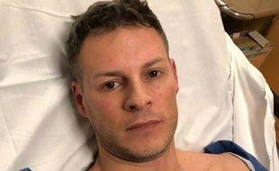 Matthieu Delormeau après son accident de scooter ce jeudi.