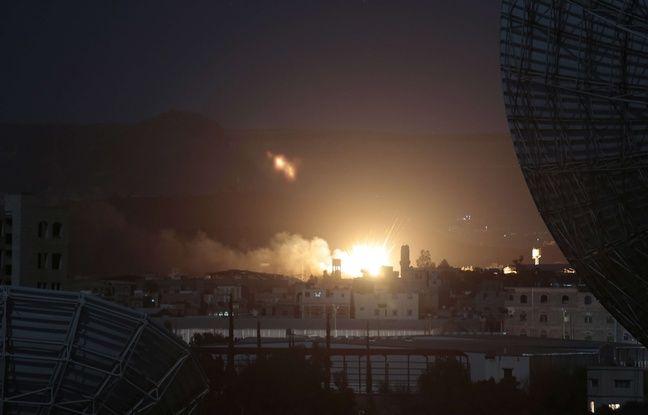 Une frappe de l'Arabie saoudite sur une base armée de la ville de Sanaa, capitale du pays.