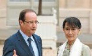 François Hollande et Aung San Suu Kyi.