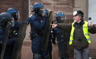 L'acte 12 des gilets jaunes a été largement suivi à Strasbourg (Bas-Rhin) ce 2 février.
