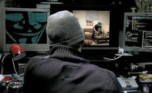 Un hacker a piraté toutes les caméras de Paris et observe la ville à son insu.