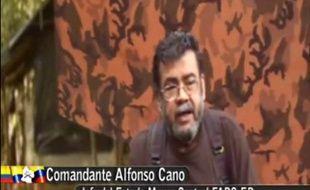 Le chef de la guérilla des Farc, Alfonso Cano, l'homme le plus recherché de Colombie, a été tué lors des combats avec l'armée vendredi dans le sud du pays, a annoncé le président colombien Juan Manuel Santos en appelant la guérilla à se démobiliser.