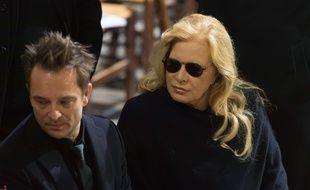David Hallyday et sa mère Sylvie Vartan lors de l'enterrement de Johnny Hallyday à la Madeleine.