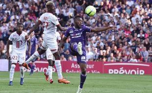 Le défenseur du TFC Steeve Yago contre Lille, le 6 mai 2018 au Stadium de Toulouse, lors d'un match de Ligue 1.
