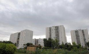Deux hommes soupçonnés d'avoir tué par balles un jeune en janvier à Sevran (Seine-Saint-Denis), après qu'une transaction de drogue eut mal tourné, ont été mis en examen samedi, a indiqué une source judiciaire.