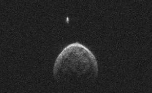 L'astéroïde 2004 BL86 et sa lune observés le 26 janvier 2015.