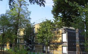 Les travaux du centre d'hébergement d'urgence en lisière du bois de Boulogne s'achèveront début novembre.
