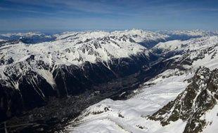 La neige devrait devenir une denrée rare dans les Alpes d'ici à la fin du siècle, sous l'effet du réchauffement climatique, et le nombre des avalanches chuter drastiquement, estiment des scientifiques en amont du premier congrès mondial organisé en France sur le sujet.
