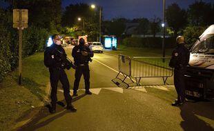 Des forces de l'ordre à Conflans-Sainte-Honorine, dans les Yvelines, après la décapitation d'un professeur d'histoire-géographie, le 16 octobre 2020.