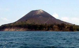 Vingt-deux passagers d'un bateau qui a sombré avec environ 150 migrants à bord dans le détroit de Sunda, en Indonésie, ont été repêchés vivants jeudi.