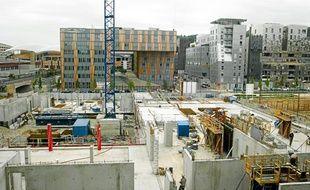 Un groupe scolaire de 270 élèves doit ouvrir à la rentrée 2012 sur le pôle enfance, en construction au Confluent.