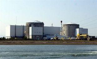 L'une des deux unités de production de la centrale nucléaire de Fessenheim (Haut-Rhin) est maintenue à l'arrêt depuis samedi en raison d'un problème d'étanchéité qui a provoqué deux incidents mineurs, a-t-elle annoncé jeudi la direction dans sa lettre hebdomadaire.