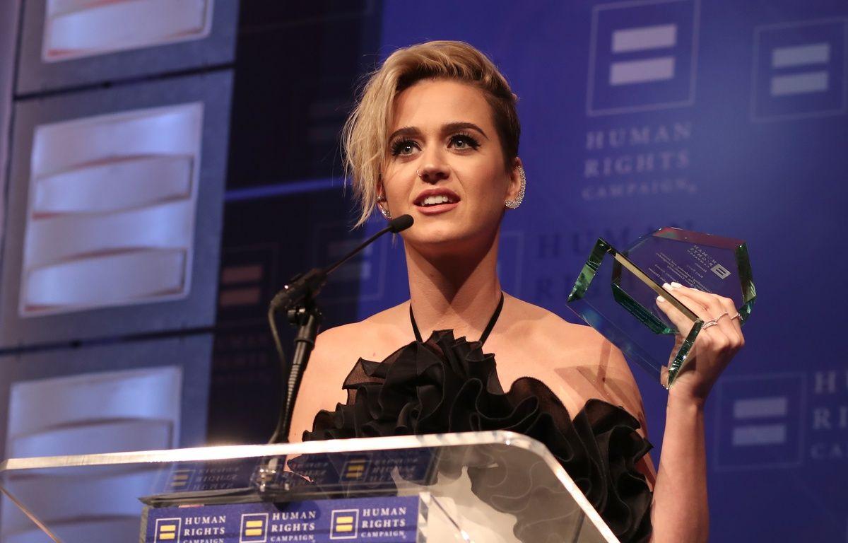 Katy Perry au gala de la Human Rights Campaign, à Los Angeles le 18 mars 2017, a reçu le prix de l'Egalité pour son engagement en faveur des droits des personnes LGBT. – Christopher Polk / GETTY IMAGES NORTH AMERICA / AFP