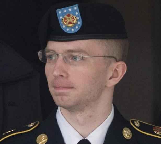 Photo de <b>Bradley Manning</b>, devenu depuis Chelsea Manning, le 20 août 2013 à <b>...</b> - 2048x1536-fit_photo-bradley-manning-devenu-depuis-chelsea-manning-20-aout-2013-a-fort-meade
