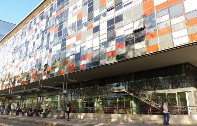 Coronavirus à Lyon: L'hôpital Saint-Joseph Saint-Luc, en pénurie de matériel, lance un appel aux dons de tabliers et surblouses