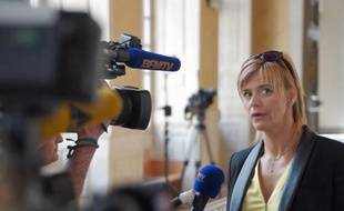 Karine Duchochois à la sortie du tribunal de Rennes, le 1er juin 2015.