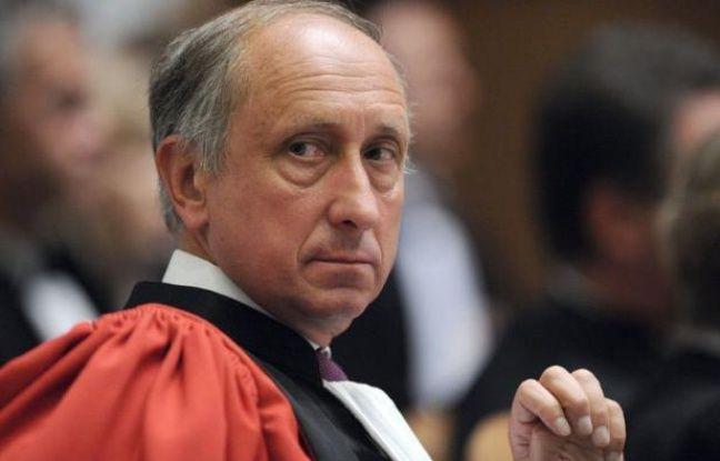 Le Conseil supérieur de la magistrature (CSM) examine mardi la proposition de la Chancellerie de nommer avocat général à Paris le très controversé procureur de Nanterre Philippe Courroye, qui crie au lynchage.