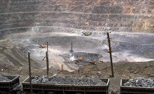 Une mine d'extraction de métaux rares dans la région de Baotou dans le nord de la Chine. Photo prise le 6 juillet 2010.