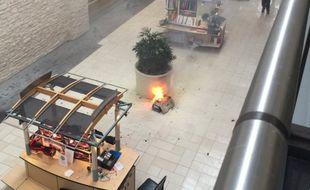 Un hoverboard a explosé au centre commercial Deerbrook, près de Houston, au Texas.