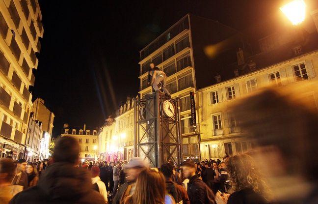 Une soirée étudiante sur la place des Lices, à Rennes, le jeudi 4 octobre 2018.