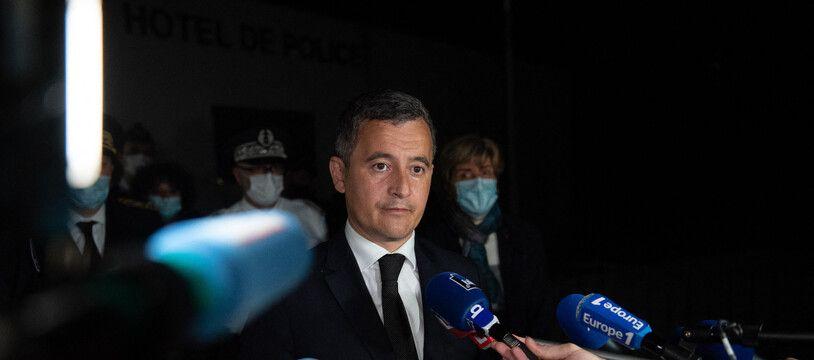 Le ministre de l'Intérieur, Gérald Darmanin, s'exprime à Avignon après la mort d'un policier, le 5 mai 2021.